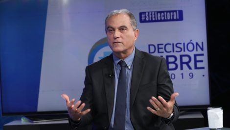 MANUEL VILLACORTA CANDIDATO WINAQ.